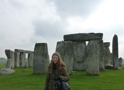 College Contact-Semesterstipendiatin Lisa Schmuck in Stonehenge