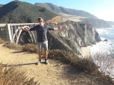 Calvin an der Bixby Creek Bridge