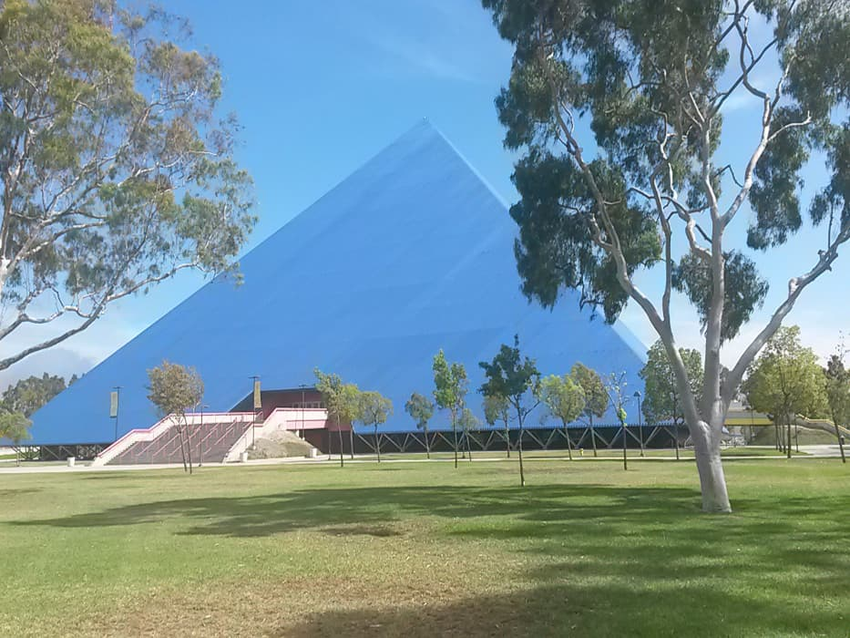 Die Walter Pyramid der CSU Long Beach (USA)