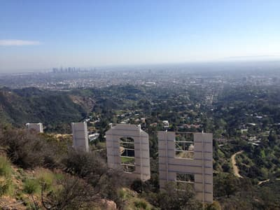 Aussicht vom Hollyridge Trail auf dem Mount Lee in Los Angeles (USA)