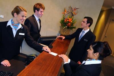 hotelmanagement studieren im ausland alle infos