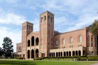Hauptgebäude der University of California Los Angeles (USA)